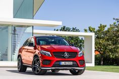 mercedes-benz GLE coupé combines sport dynamics with SUV robustness - designboom | architecture
