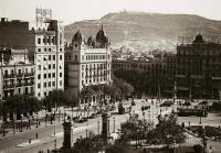 El Arxiu Fotogràfic de Barcelona está situado en la Plaça Pons i Clerch, 2, entre Sant Pere, Santa Caterina y La Ribera, en pleno centro  http://www.infohostal.com/es/barcelona/arxiufotograficdebarcelona-alojamientos