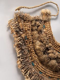 Floral Collar from Tutankhamun's Embalming Cache Historical Artifacts, Ancient Artifacts, Textile Courses, Egyptian Fashion, Ancient Egyptian Jewelry, Natural Weave, Ancient Aliens, Ancient History, Art Deco Jewelry