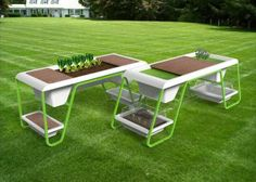 È un tavolo, ma è anche molto di più, l'innovativo Victory Garden Tables che Enrico Azzimonti ha progettato per Z-Farm, giovanissimo brand di Isoplastic.