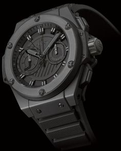 Hublot Designs King Power Foudroyante All Black. Hublot has designed a new model of its iconic Big Bang. The Hublot Big Bang King Power watch catches the glance by its powerful design. All Black Watches, Men's Watches, Hublot Watches, Dream Watches, Luxury Watches For Men, Sport Watches, Cool Watches, Hublot King Power, Picture Watch