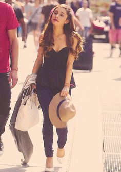 Ariana Grande ~ no way this is just a casual day out ~ there would be fans everywhere