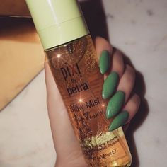 ✨PRO TIP✨ For perfectly dewy skin, I spray my face before makeup after powder to add the ultimate GLOW! This spray is everything!! You can get it at Target $15 ~ I use on most client- If you have oily skin get the Makeup Mist instead! Skin Care products - http://amzn.to/2iSUZHs