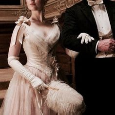 king and queen of wonderland Princess Aesthetic, Historical Romance, Masquerade, Character Inspiration, Fairy Tales, Royalty, Queen, Couples, Lady