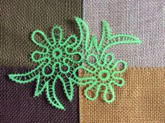 Bruges Lace, Lace Heart, Lace Jewelry, Crochet Tablecloth, Motif Floral, Lace Making, Lace Patterns, Bobbin Lace, Lace Detail
