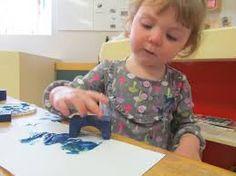 Resultado de imagen de painting toddler using objects