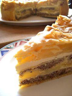 Rezeptbild: geschichtete Apfel-Nuss-Torte mit Verpoorten Original Eierlikör