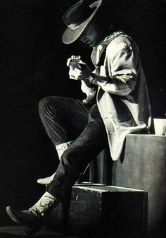 Stevie Ray Vaughan (outlaw guitar slingin' wild man r.i.p.)