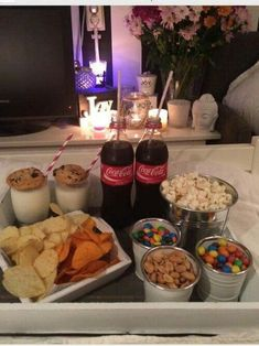 Pin- voguesmoothie movie night snacks, sleepover snacks, movie nights, home date night Sleepover Food, Fun Sleepover Ideas, Girl Sleepover, Sleepover Birthday Parties, Girls Slumber Parties, Slumber Party Snacks, Sleep Over Party Ideas, Party Ideas For Teenagers, Bff Birthday Gift