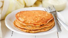 If you're looking to stay energized throughout the day, you''ll need to fuel up with plenty of protein. Try these oat pancakes! #healthyrecipes #highproteinrecipes #breakfastrecipes #everydayhealth | everydayhealth.com