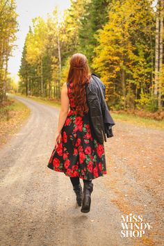 These boots are made for walkin' (c) misswindyshop.com #attitude #dress #floral #rose #vintage #fifties #redhair #longhair #leatherjacket #boots #autumn #everydayisadressday #dressrevolution #mekkovallankumous