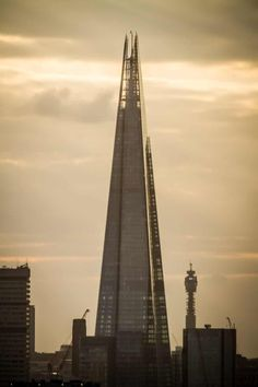 As the city skyline is threatened by a frenzy of ugly skyscrapers, Oliver Wainwright picks the capital's top 10 towers that show how building big can be beautiful Historical Architecture, Architecture Design, London Dreams, The Shard, The Guardian, San Francisco Skyline, United Kingdom, City, Building