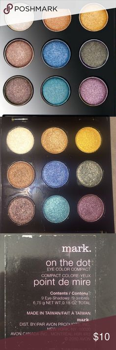 Mark.- On the Dot compact 12 beautiful metallic shades, shadows hardly used. Packaging outside has some scratches. Does not include eyeshadow brush. Avon Makeup Eyeshadow