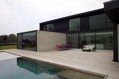 Ipe terras rond zwembad