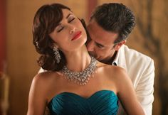 Magic City - the brand new series set in 1950s Miami, starring Jeffrey Dean Morgan and the gorgeous Ukrainian Bond girl Olga Kurylenko. It's been compared to Mad Men. Can't wait to start watching it!