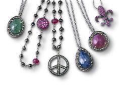 Collares con Rubies, Zafiros, esmeraldas y diamantes blancos y negros.