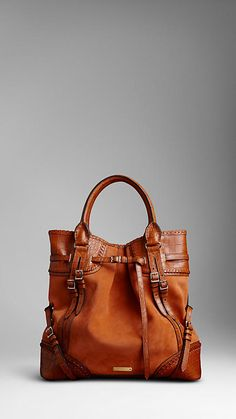Burberry - ALLIGATOR BURBERRY WHIPSTITCH BAG.                                           Really cute!