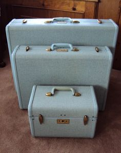 Vintage Powder Blue Speckled Tweed Samsonite Luggage.