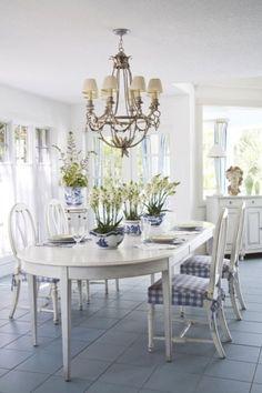 New Home Interior Design: Breezy in blue: florida beach cottage Decor, House Interior, Casual Dining Rooms, Cottage Decor, Interior, White Decor, Swedish Decor, Home Decor, White Beach Houses