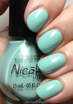 Nicole by OPI Alex by the Books  (Modern Family Collection)
