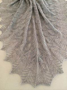 Ravelry: wavy leaves and butterflies shawl pattern by Athanasia Andritsou Free Knit Shawl Patterns, Lace Patterns, Crochet Patterns, Scarf Patterns, Knit Or Crochet, Crochet Shawl, Crochet Vests, Crochet Cape, Crochet Edgings