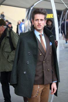 Colours. Marco Taddei coat accessoiries key chain