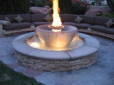 Brunnen Stein Terrasse Ideen Kombination Gas Feuerstelle Wasserfall