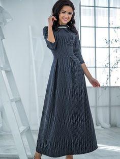 Длинное трикотажное платье в сером в горох, фото 1