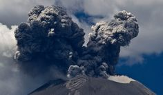 Foto de vulcão em erupção: Popocatepetl, Mexico