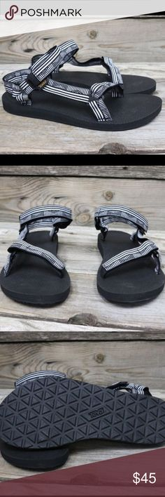 Teva Original Universal Campo Black White Sandal 8 New in box and authentic 🇺🇸 Teva Shoes Sandals