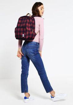 The Pack Society Plecak - black/red za 149 zł zamów bezpłatnie na Zalando. Miss Selfridge, Stella Mccartney, Topshop, Tom Tailor Denim, Color Negra, Mom Jeans, Pants, Black, Red