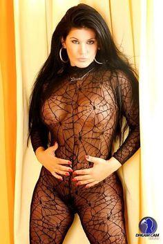Bruna Ferraz é modelo erótica e atriz pornográfica brasileira que ficou famosa principalmente na internet por fazer performances sensuais em frente a sua webcam.