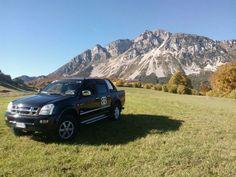 Meravigliosa questa vista del monte Stivo! Decisamente un ottimo punto di osservazione raggiunto anche grazie al D-Max della BB Design Italia, una delle aziende che hanno scelto il D-Max per la loro attività a Rovereto (TN)! #isuzu #pickup #fuoristrada