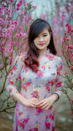 Exotic Women Beautiful Asian Women Dresses For Teens Nice Dresses Vietnam Costume Asian Hotties Oriental Fashion Vietnamese Dress Cheongsam Vietnamese Traditional Dress, Vietnamese Dress, Traditional Dresses, Sexy Asian Girls, Beautiful Asian Women, Beautiful Indian Actress, Moda China, Western Dresses For Women, Belle