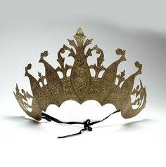 Indonesia ~ Sumatra, Palembang | Tiara (Singkar sukun) part of  a headdress ; brass plated | ca. 1972 or earlier
