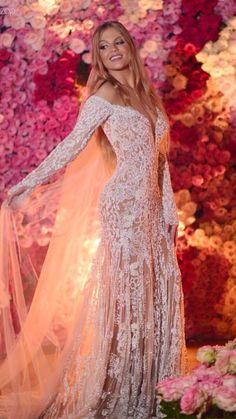 luísa e whindersson * luísa e whindersson ; luísa e whindersson casamento ; luísa sonza e whindersson Wedding Dress Sleeves, Best Wedding Dresses, Bridal Dresses, Wedding Gowns, Dresses With Sleeves, Weeding Dress, Dress Vestidos, Bridal Lehenga, Wedding Bells
