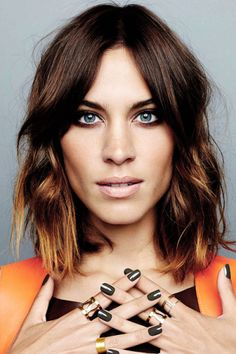 Alexa Chung for Nails Inc. Alexa Chung for Nails Inc. Corte Swag, Mechas Tiger Eye, Hair Inspo, Hair Inspiration, Alexa Chung Hair, Dream Hair, Hair Today, Cut And Color, Bob Hairstyles