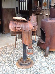 Steel saddle