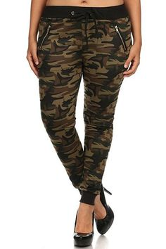 Sexy army camouflage drawstrings jogger pants with band cuffs and zippered pockets to tailor your casual look. It's lightweight, fitting and comfortable. It reminds us of cargo pants, but much lighter Camouflage Jeans, Chic And Curvy, Jogger Pants, Cargo Pants, Plus Size Pants, Fashion Joggers, Sport Pants, Casual Looks, Plus Size Outfits