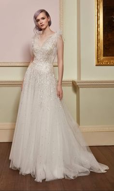 Jenny Packham Bridal Collection Spring 2018 Dresses for wedding guests, brides, bridesmaids, and mothers Jenny Packham Wedding Dresses, Jenny Packham Bridal, Wedding Party Dresses, Designer Wedding Dresses, Bridal Dresses, Gown Designer, Gown Wedding, Wedding Hair, Tulle Ball Gown