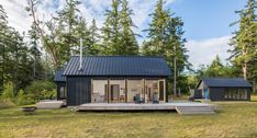 Designed by Prentiss Balance Wickline Architects, this modern cabin offers views of the Olympic Mountains, on the Hood Canal, Washington. Village Houses, Cob Houses, House And Home Magazine, Architect Design, Modern House Design, Home Fashion, Cabana, Modern Architecture, Sustainable Architecture