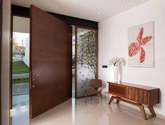 Casa GM: Puertas y ventanas de estilo Moderno por GLR Arquitectos