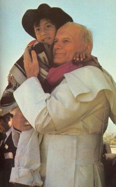 JPII in Puebla, Mexico, He so loved the children. Catholic Art, Catholic Saints, Roman Catholic, Religious Art, Papa Francisco, Pope John Paul Ii, Paul 2, Papa Juan Pablo Ii, Mother Mary