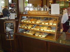 Peets_BelmontBakeryCase - lovely countertop display