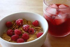 malinový sirup Healthy Drinks, Raspberry, Pudding, Fruit, Desserts, Food, Tailgate Desserts, Puddings, Dessert