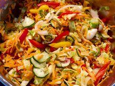 Surówka warzywna do obiadu Fried Rice, Pasta Salad, Food Porn, Chicken, Ethnic Recipes, Canning, Crab Pasta Salad, Home Canning, Nasi Goreng