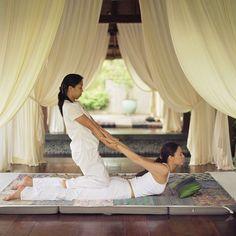 Massage thaïlandais : tout savoir sur le massage thaïlandais, technique asiatique réputée dans le monde entier....