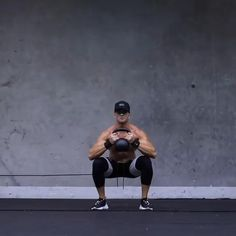 Kettlebell Workout Routines, Fitness Workouts, Gym Workout Chart, Gym Workout Videos, Calisthenics Workout, Kettlebell Training, Gym Workout For Beginners, Dumbbell Workout, Hiit