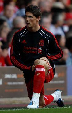 Fernando Torres esta en el equipo de futbol de Espana.