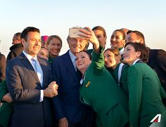 Five things about of us? We are enthusiastic, proud, brave, colleagues, friends. In one word: #Alitalia.